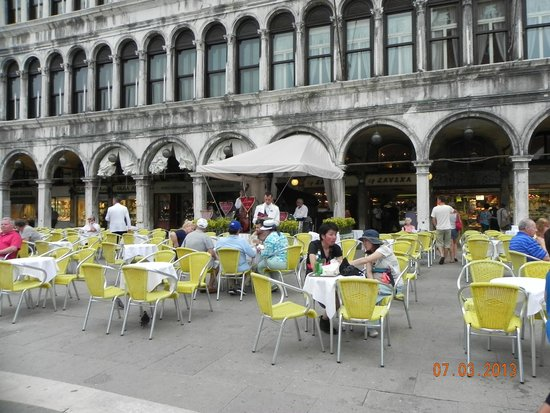 St. Mark's Square: Piazza San Marcos