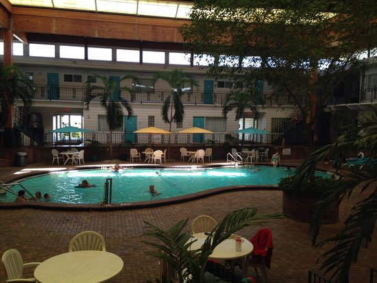 Perry's Ocean Edge Resort: Indoor pool area