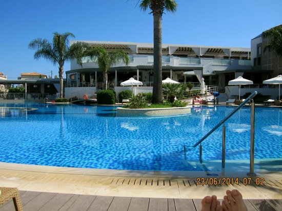 The Lesante Luxury Hotel & Spa: Pool by day