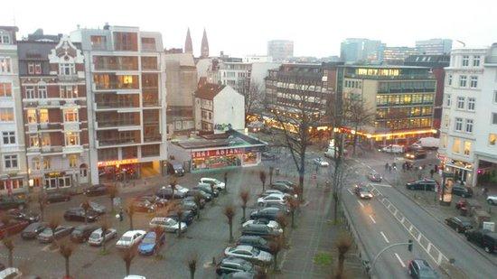 Novum Hotel Norddeutscher Hof Hamburg: вид из окна