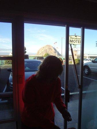 Breakers Motel: Vista desde la habitacion.