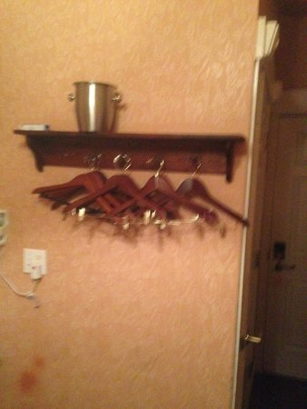 Nob Hill Hotel: My closet!