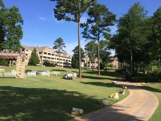 The Ritz-Carlton Reynolds, Lake Oconee: Grounds of Ritz-Carlton Resort Reynolds Plantation