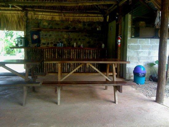 Yaxche Jungle Camp: dining area