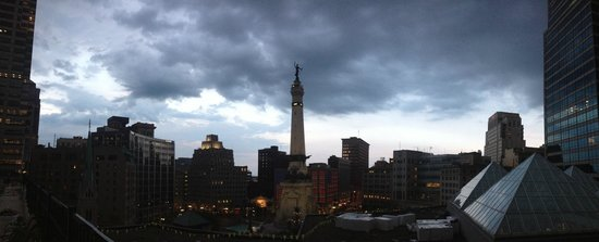 Colonel Eli Lilly Civil War Museum - Soldiers & Sailors Monument : View of the Monument at Evening