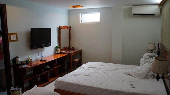 Duc Vuong Hotel: номер