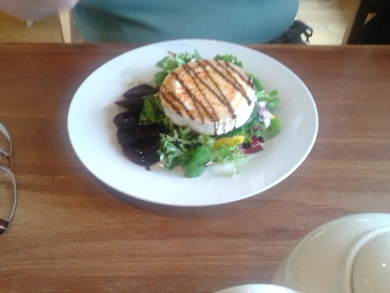 Felicity's: Grilled Goats cheese and salad