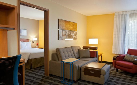 TownePlace Suites Colorado Springs Garden of the Gods : One-Bedroom Suite