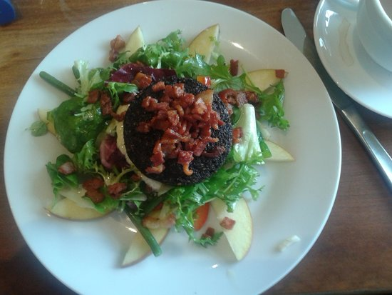 Felicity's: Black pudding with bacon bits salad
