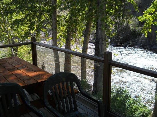 River's Edge Resort : river view