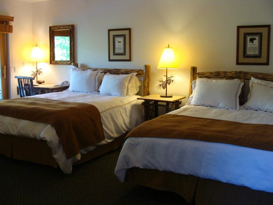 Double Eagle Resort and Spa: Chambre 2 queen beds