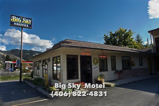 Big Sky Motel: Office Entrance