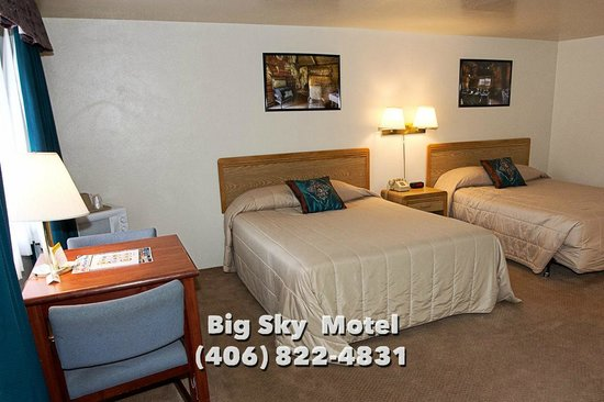 Big Sky Motel: Double Queen Bed Room