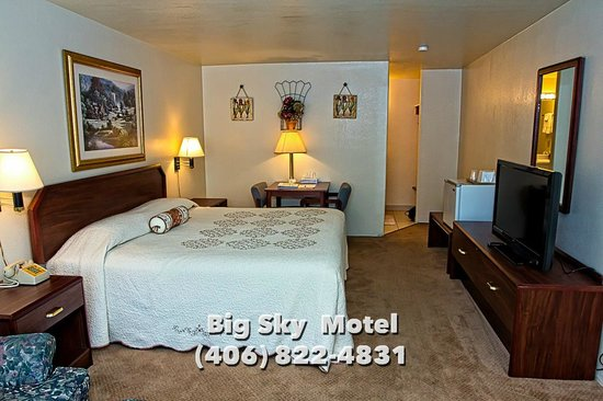 Big Sky Motel: Single King Bed Deluxe Room