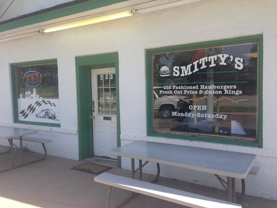 Smitty's: The view from Highway 54!!! Don't miss it
