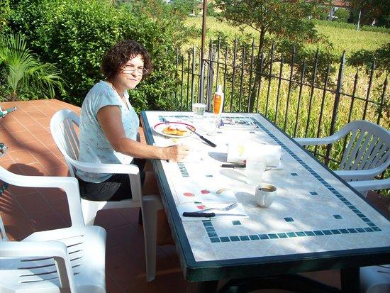 La Carreccia: terrasse donnant sur des champs de lavande
