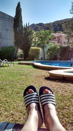 Apartments Las Velas : Resting by pool