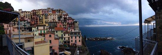 Manarolasolemare: Stunning colors - balcony view