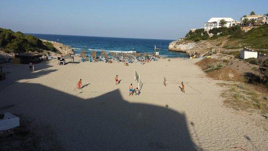 Club Hotel Tropicana Mallorca: The lovley beach on an evening