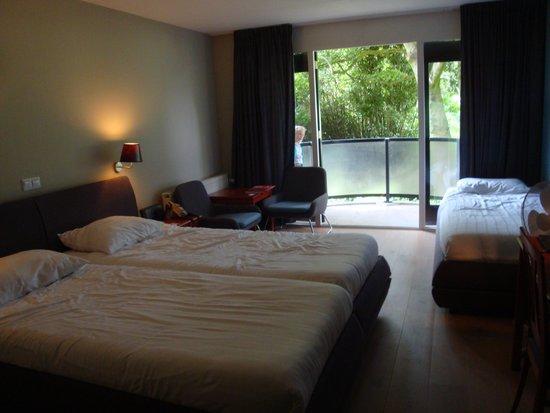 Sandton Hotel De Roskam: Ruime kamer