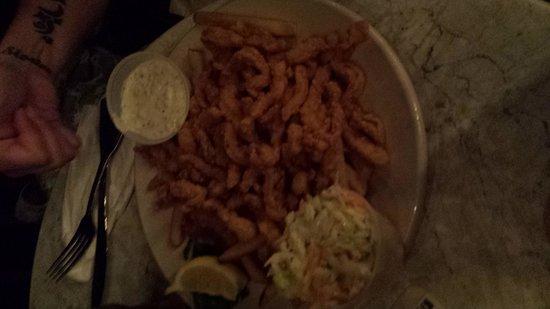 Captain Al's Restaurant & Tiki Bar: friend clam strip plate