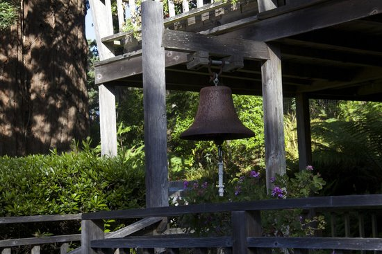 "North Coast Country Inn : ""Ring the Bell"""