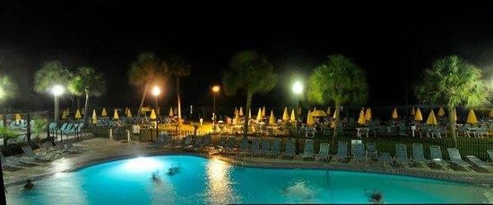 Dayton House Resort: Pool at night