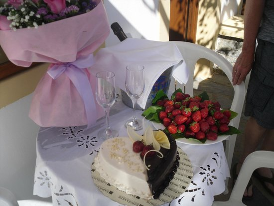 Villa Diktynna: Birthday treat
