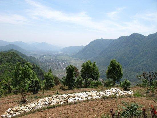 Annapurna Eco-Village: Вид с вершины на долину