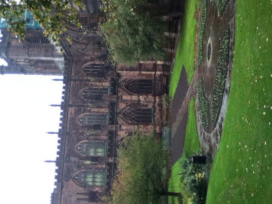 Chester Cathedral: Grounds