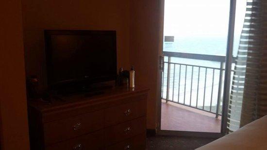 Embassy Suites by Hilton Myrtle Beach-Oceanfront Resort: Bedroom balcony