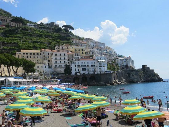 Adolfo Scotto di Luzio Private Driver: Public beach in town of Amalfi