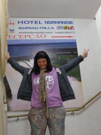 Hotel Normandie: Recepção é em cima