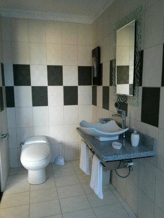 Alameda de Golf Cariari: Numilia Bathroom