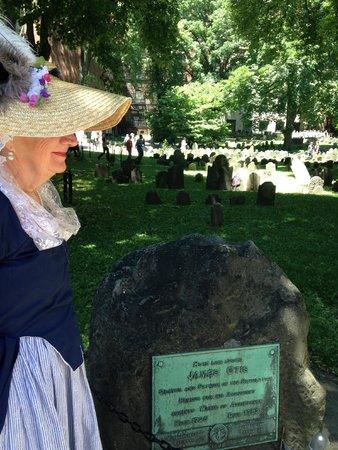 Boston Town Crier-Tours of Freedom Trail