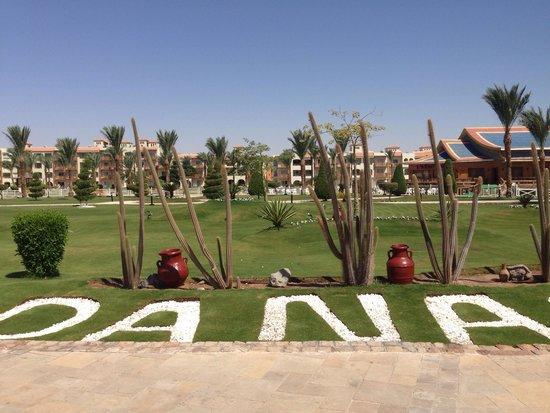 Dana Beach Resort: Garden