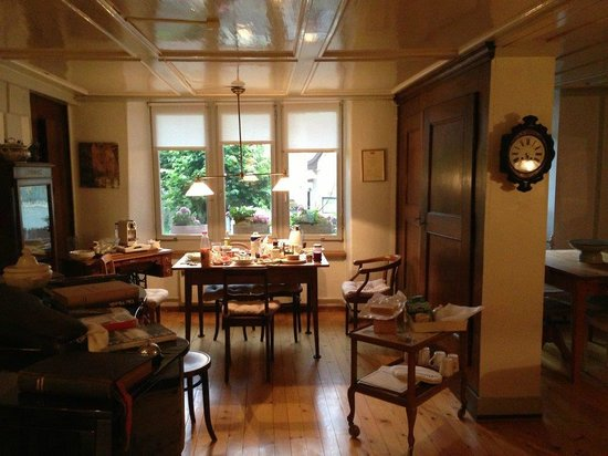 Maison D'Hotes La Vigne : The so nice dining room with breakfast