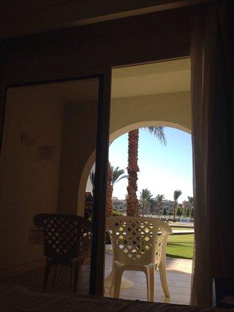 Dana Beach Resort: Terasse
