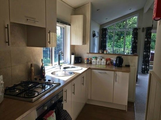 Raywell Hall Country Lodge Park: Kitchen