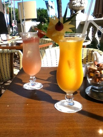 InterContinental Carlton Cannes: Cointreau Blush & French Riviera Blush