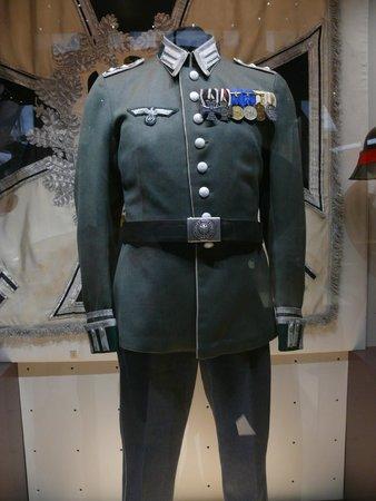 Musée royal de l'armée et de l'histoire militaire : Германская военная форма - до Хуго Босса