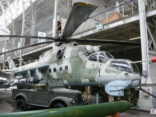 Real Museo de las Fuerzas Armadas y de Historia Militar: Действующие образцы...