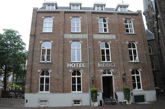 Hotel Merici: Buitengevel van het hotel