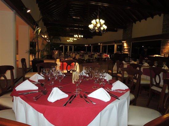 Altos Del Arapey Club De Golf y Hotel Termal: Ravioles.. armado en estación de pastas