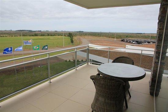Altos Del Arapey Club De Golf y Hotel Termal: Baño de la suite.