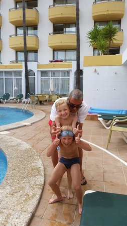 Protur Atalaya Apartments : Fernando. Lovely life guard. Great with kids and adults true gentleman.