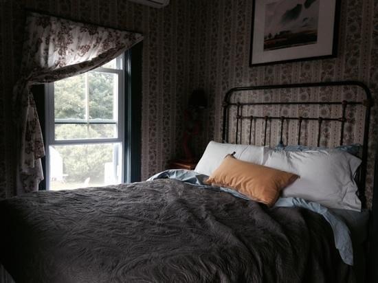 The Darius Inn : bed