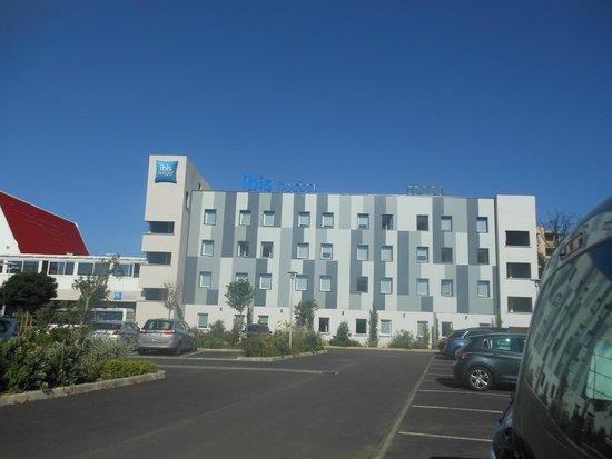 Ibis Budget Ajaccio : la façade de l'hotel