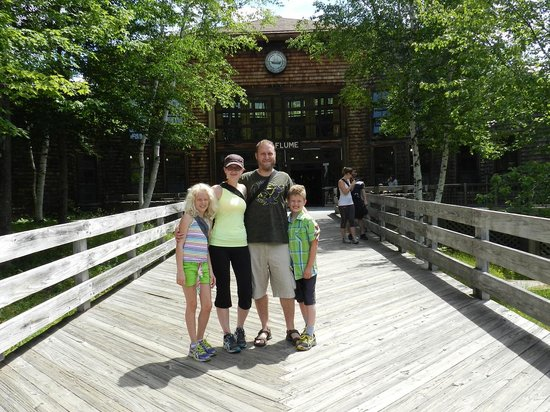 Standing in front of the Flume Gorge visitor centre