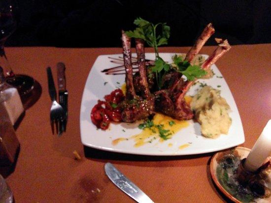 Tres Keros Restaurant Grill & Bar: Lamb dish -- outstanding!